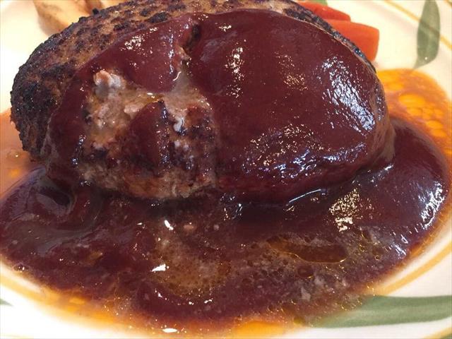 肉汁あふれ出る「とくら」の手づくりハンバーグ♪