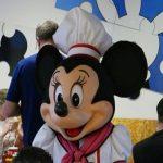 【WDW】シェフ姿のミッキーたちが挨拶にやってくる「シェフミッキー」