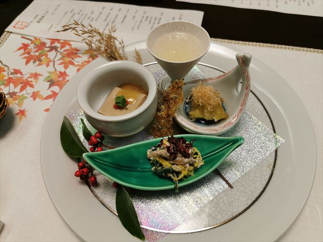 湯布院の日の春旅館の夕食