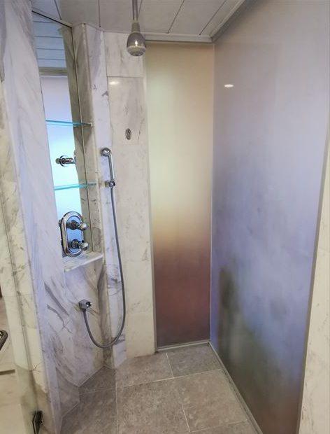 オキナワ マリオット リゾート&スパのシャワールーム