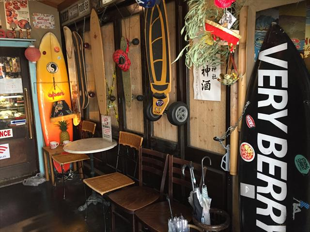 アメリカンな雰囲気のカフェ「Very Berry Cafe」
