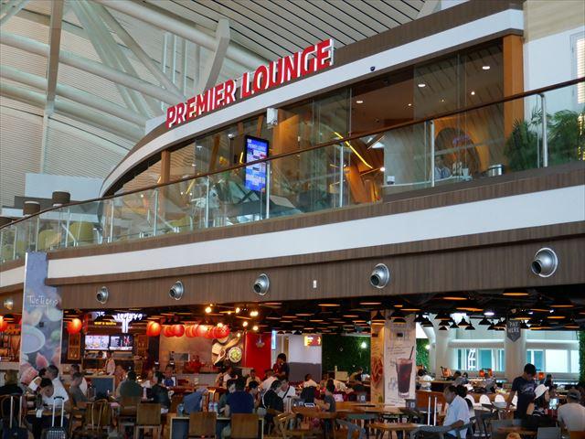 バリ島デンパサール国際空港のプレミアラウンジの紹介
