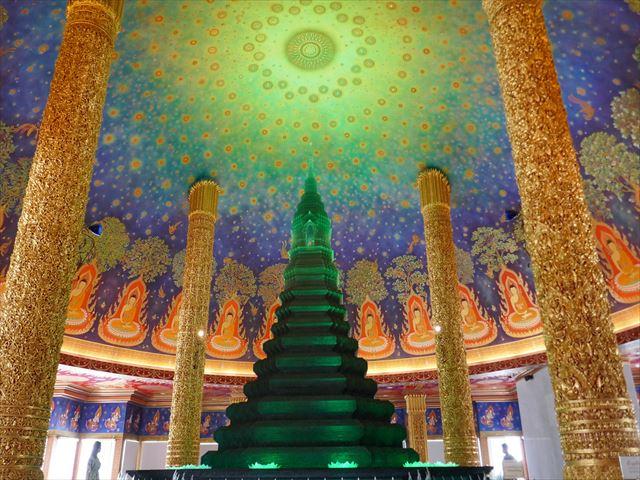 インスタ映えするバンコクの寺院「ワットパクナム」で写真撮りまくり!