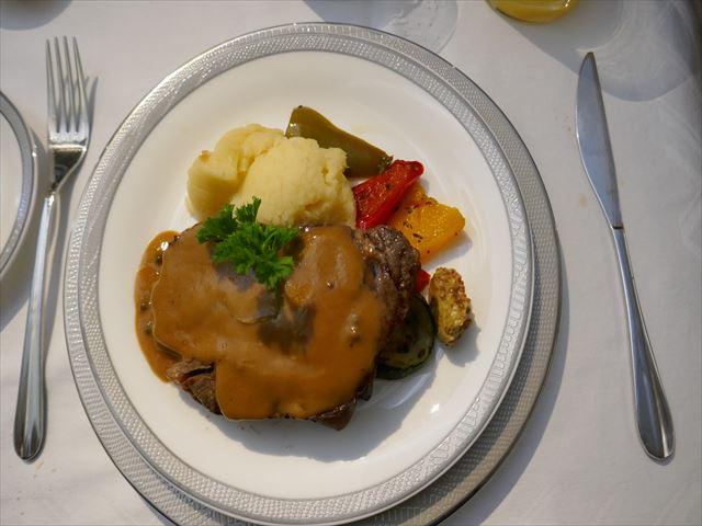 シンガポール航空スイートクラスの機内食