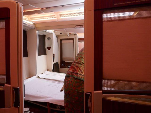 シンガポール航空スイートクラスのベッド