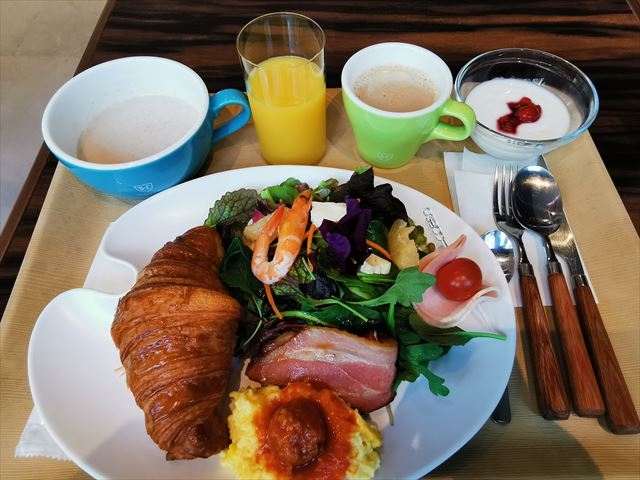 ロイヤルパークキャンバス大阪北浜の朝食