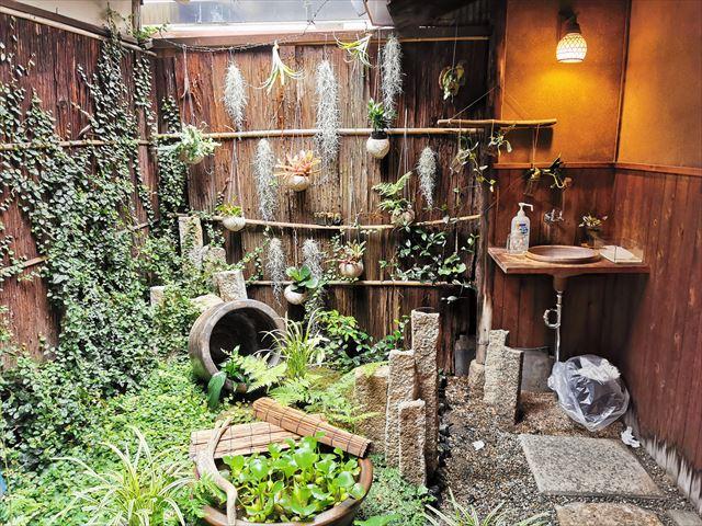 四条堀川茶屋の坪庭