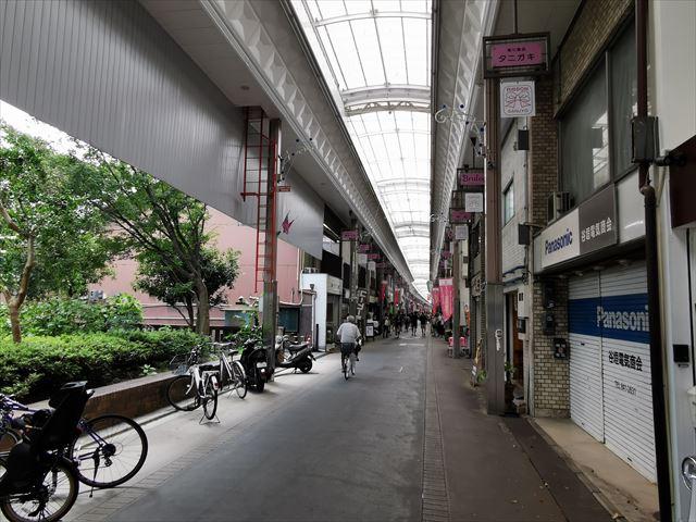 京都の三条商店街